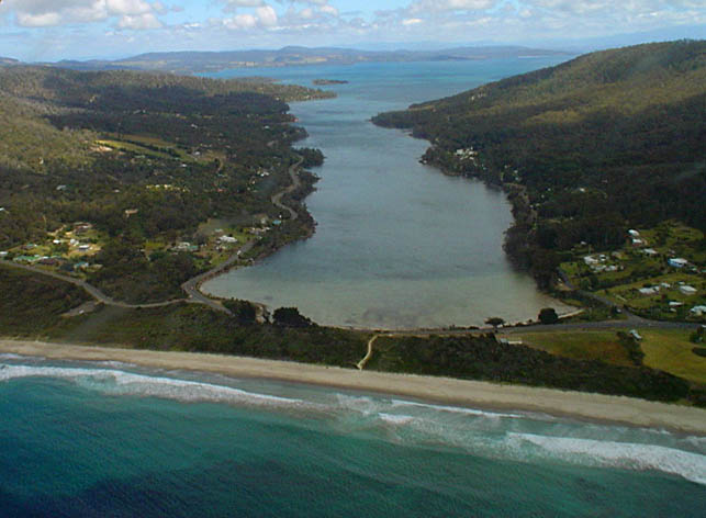 Photo: Dave Moser – Looking toward Norfolk Bay, beyond Eaglehawk Bay and the 'Neck', from high above Pirates Bay.